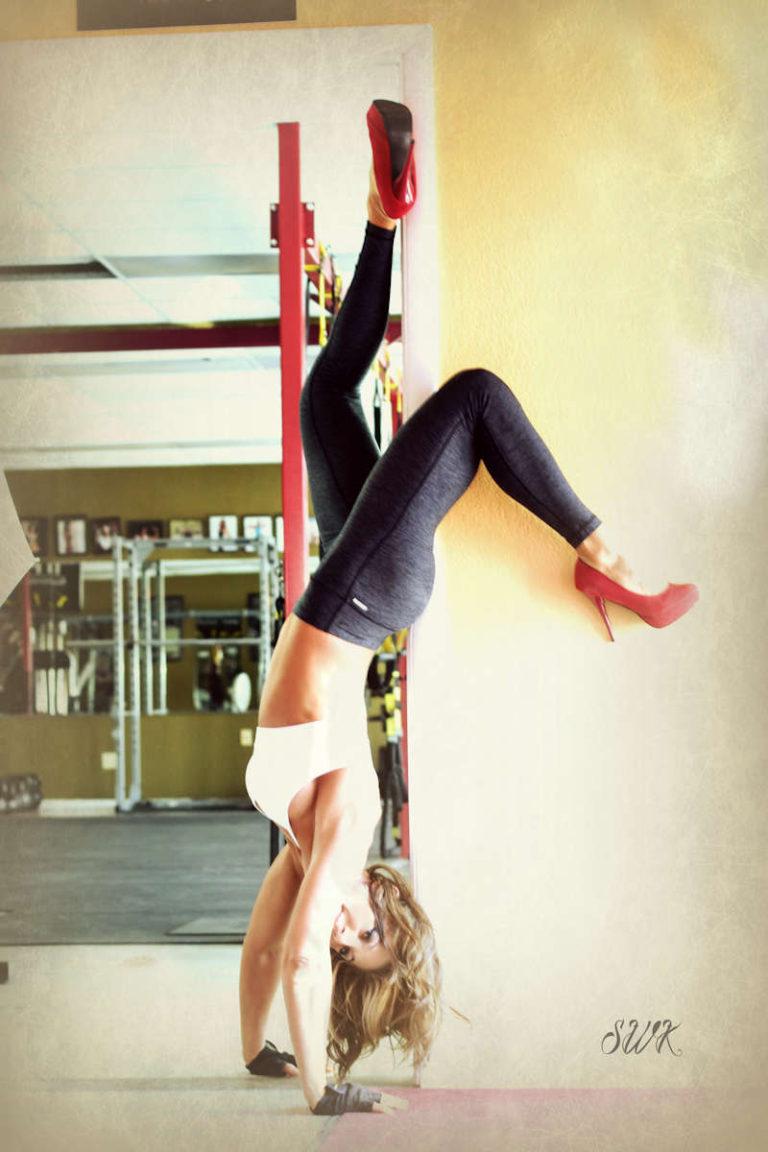 vanessa-handstand-1200